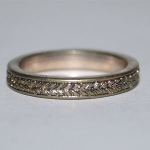 Vintage gold weaved band ring size 7.5